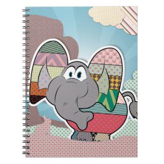 Elefante con las nubes pintadas texturas libro de apuntes con espiral