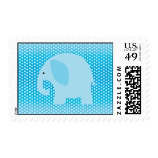 Elefante de los azules cielos en azul sello