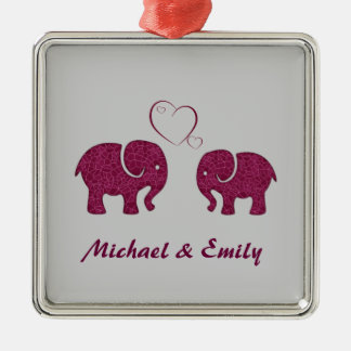 Elefante de moda lindo en el amor personalizado adorno navideño cuadrado de metal