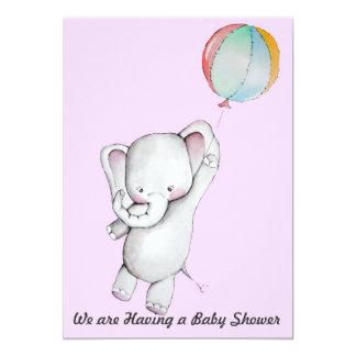 Elefante del bebé con la invitación del globo