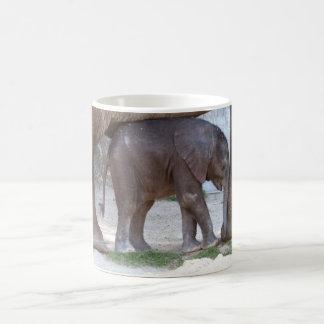 Elefante del bebé taza
