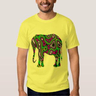 Elefante del laberinto del fractal playera