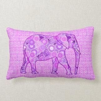 Elefante del remolino del fractal - púrpura y cojín