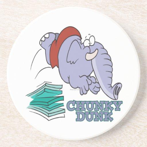elefante divertido del salto de la clavada maciza posavasos para bebidas