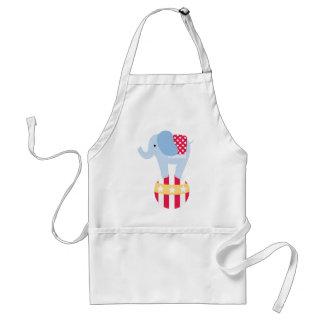 Elefante en bola del circo delantal