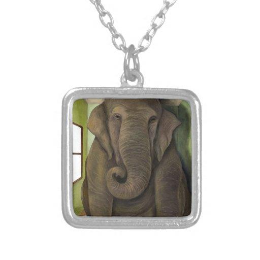 Elefante en el cuarto colgantes