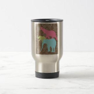 Elefante en el damasco floral - Brown y violeta Taza De Viaje