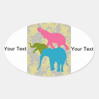 Elefante en el damasco floral - rosado, el azul y pegatina ovalada
