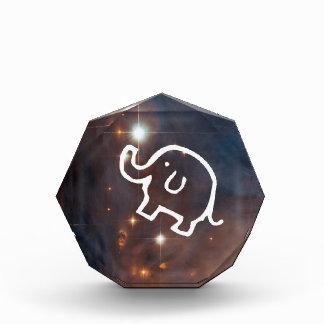 Elefante en el premio octagonal de las estrellas