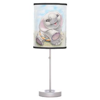 Elefante en la lámpara del cuarto de niños de la t
