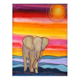 Elefante en la puesta del sol en África (K. Turnbu Tarjetas Postales