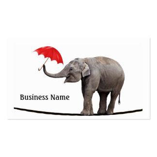 Elefante en una cuerda tirante tarjetas de visita