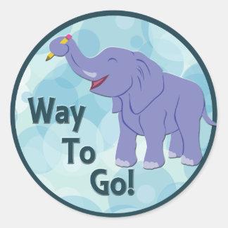 Elefante feliz pegatina redonda