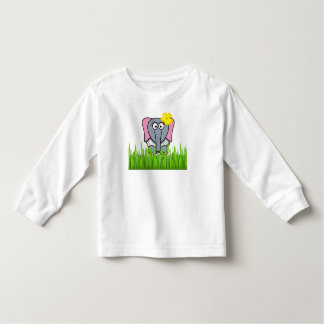 Elefante femenino en la hierba playera de bebé