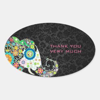 Elefante floral retro colorido y damascos negros pegatina ovalada