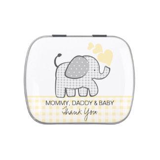 Elefante gris de la guinga con los corazones frascos de dulces