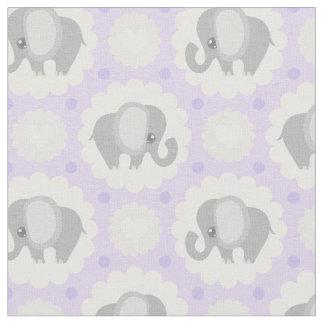 Elefante hermoso del bebé en púrpura de la lavanda telas