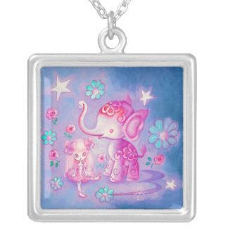 Elefante lindo con el chica cabelludo rosado colgantes