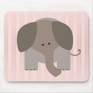 Elefante lindo de Brown Alfombrillas De Ratones