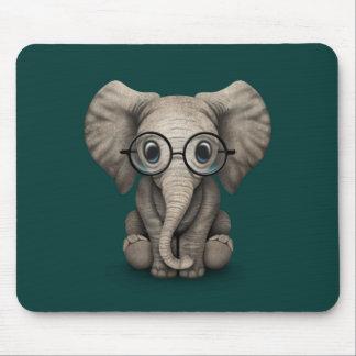 Elefante lindo del bebé con el trullo de los vidri tapete de ratón