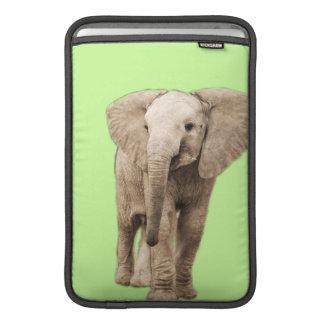 Elefante lindo del bebé fundas MacBook