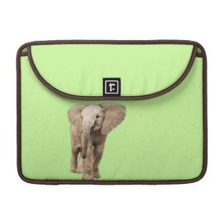 Elefante lindo del bebé funda para macbook pro