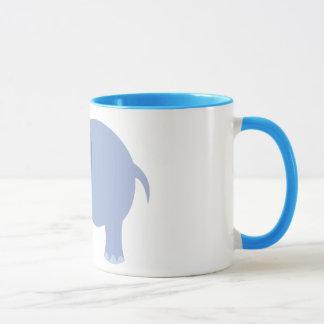 Elefante lindo del dibujo animado de los azules taza