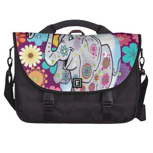 Elefante lindo del Hippie con las flores coloridas Bolsas Para Ordenador