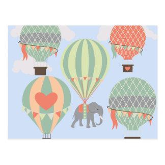 Elefante lindo que monta el levantamiento de los tarjeta postal