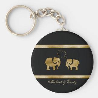 Elefante negro lindo de moda de /golden en amor llavero redondo tipo pin