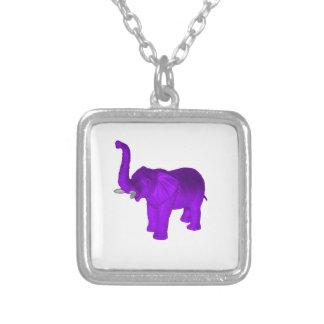 Elefante púrpura colgante cuadrado