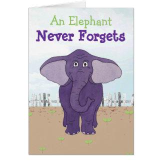 Elefante púrpura divertido - tarjeta de cumpleaños