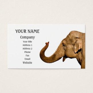 Elefante que agita tarjeta de negocios