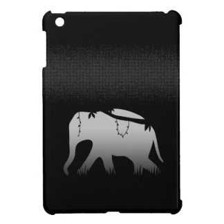 Elefante que camina en la noche oscura del misteri iPad mini cárcasa