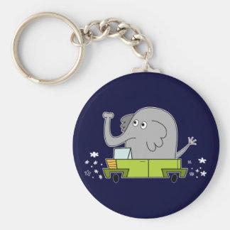 Elefante que conduce un coche - llavero