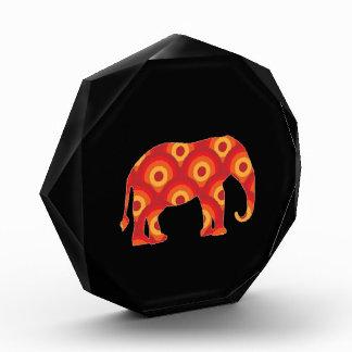 Elefante retro enrrollado de los círculos