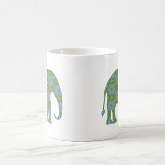 Elefante salvaje floral taza