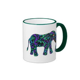 Elefante tribal del tatuaje en azul y verde taza de dos colores
