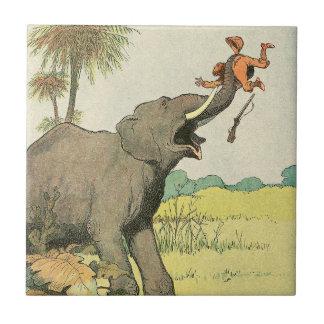 Elefante y cazador furtivo en la selva azulejo cerámica