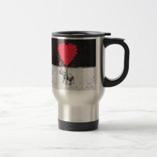 Elefante y corazón del amor taza de café