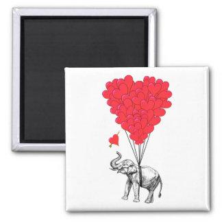 Elefante y globos rojos del corazón imán cuadrado