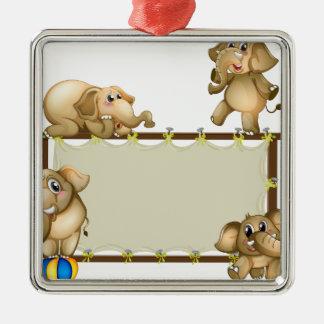 Elefante y marco adorno cuadrado plateado
