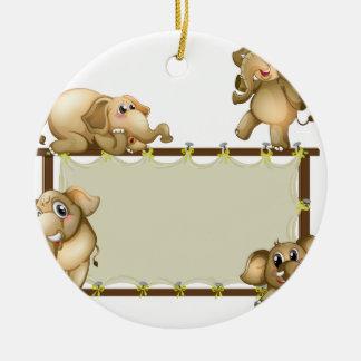 Elefante y marco adorno redondo de cerámica
