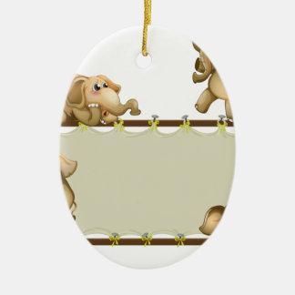 Elefante y marco adorno ovalado de cerámica