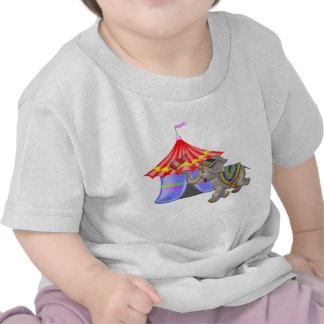 Elefante y tienda del circo camisetas