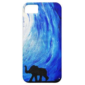 Elefantes bajo claro de luna (arte de K.Turnbull) Funda Para iPhone SE/5/5s