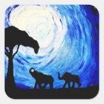 Elefantes bajo claro de luna (arte de K.Turnbull) Calcomanias Cuadradas