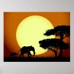Elefantes en el poster de la puesta del sol