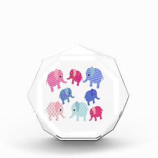 Elefantes lindos del bebé