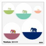 Elefantes lindos en el camino